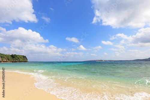 Foto op Canvas Tropical strand 美しい沖縄のビーチと夏空