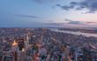 Blick über Downtown Manhattan bei Nacht