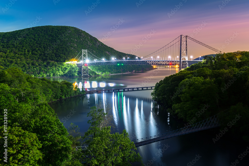 Fototapety, obrazy: Hudson River valley with Bear Mountain bridge illuminated by night, in New York state