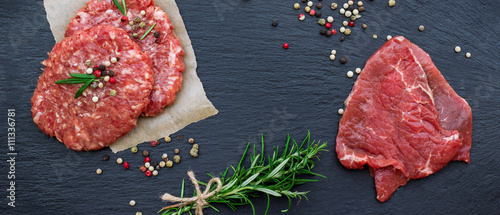 Staande foto Vlees Fresh raw meat and burger cutlets
