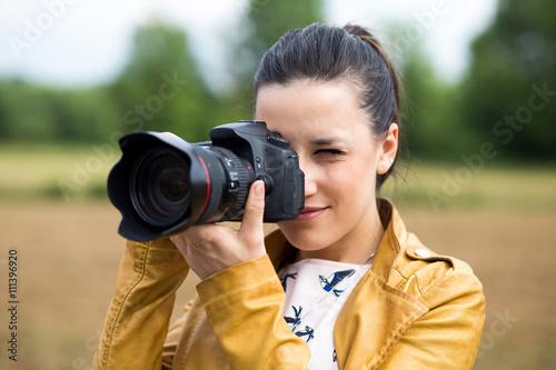 Fotografía  Bella ragazza che fa una foto