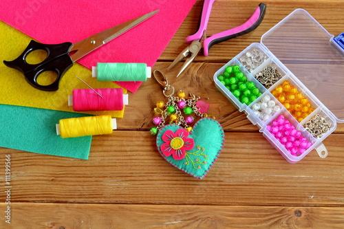 Foto  Handmade keychain felt embellished with beads