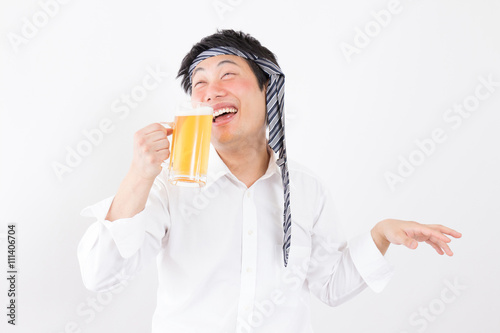 Vászonkép ビールを飲む男性