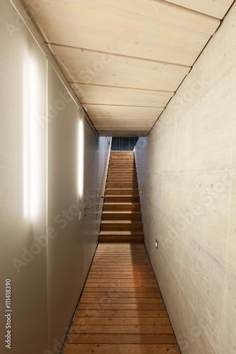 podziemne-przejscie-budynku