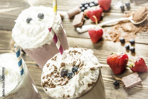 Foto op Plexiglas Milkshake milk chocolate strawberry smoothies