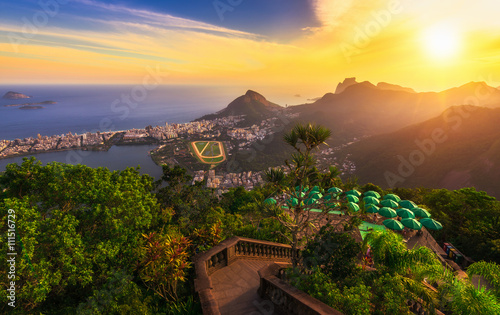 Poster Brésil Sunset view from Corcovado of Lagoa Rodrigo de Freitas, Ipanema and Leblon in Rio de Janeiro, Brazil