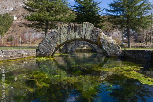 Fuente romana de La Reana en Palencia España - Manantial o fuente tamarica que tiene la peculiaridad de manar ,o dejar de hacerlo y secarse, de forma aleatoria y sin explicacion alguna.