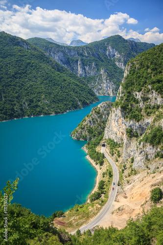 Foto auf Gartenposter Fluss Amazing view of Piva lake in Montenegro