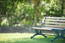 公園とベンチ
