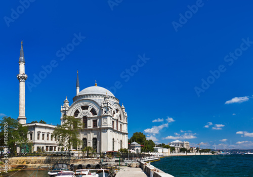 Photo Stands Kuala Lumpur Mosque in Istanbul Turkey