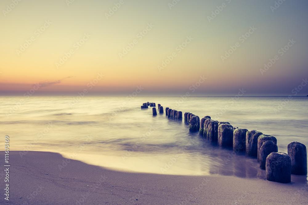 Fototapeta Piękny kolorowy wschód słońca nad Bałtykiem