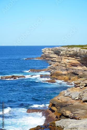 Papiers peints Cote Rugged, rocky sandstone cliffs on the New South Wales coast, Australia