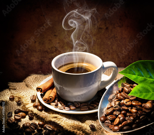 obraz dibond Aroma And Taste In Traditional Coffee Cap