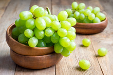 Bunch Of Green Ripe Grapes In ...