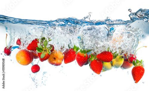 plusk mieszanych owoców