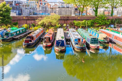 Foto auf Leinwand Kanal Rows of Houseboats