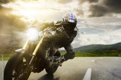 Zdjęcie XXL Widok z przodu Naked Bike In Curve