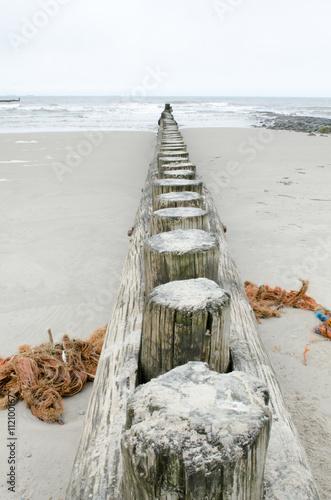 Keuken foto achterwand Noordzee Nordsee 25 / Wellenbrecher mit Strandgut