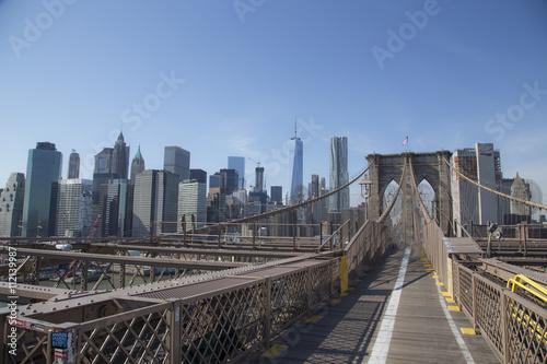 Fototapeta brooklyn bridge during a sunny day in new york obraz na płótnie