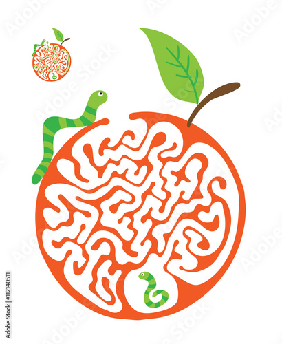 Fotografía  Maze puzzle for kids with caterpillars and apple