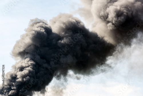 Türaufkleber Rauch lot of black smoke from the fire