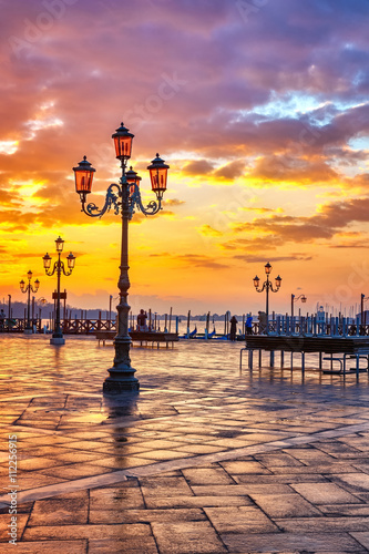 Piazza San Marco at sunrise, Vinice, Italy - 112256915