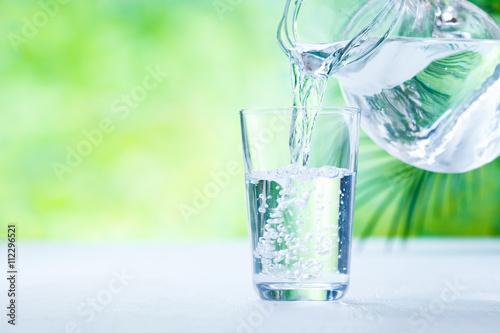 Foto op Aluminium Water 水を注ぐ