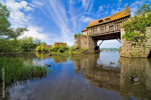 Fényképezés Vernon, le vieux moulin sur la Seine, département de l'Eure, Normandie