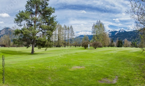 Deurstickers Golf Golf course in mountains