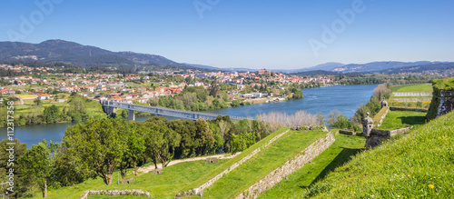 Fotografia, Obraz Panorama of fortified walls and river in Valenca do Minho