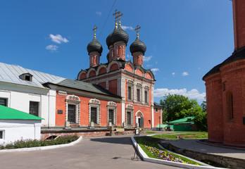 Fototapeta na wymiar Church of Our Lady of Bogolyubovo in Vysokopetrovsky Monastery (High Monastery of St Peter)