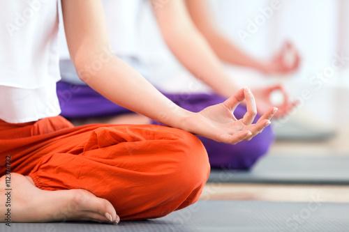 Cadres-photo bureau Ecole de Yoga Lotus position