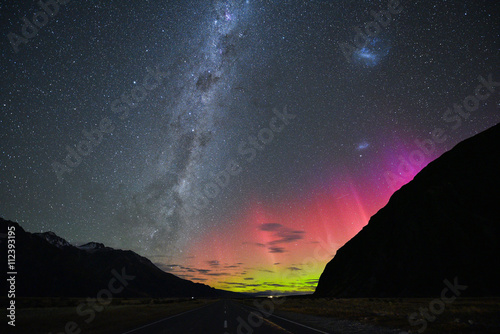 Photo  NEW ZEALAND 18TH APRIL 2015: Australis aurora and Milky way at the National Park
