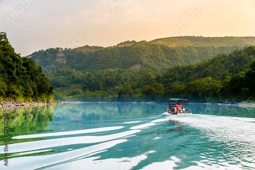 Flussfahrt auf dem Lijiang, China Poster