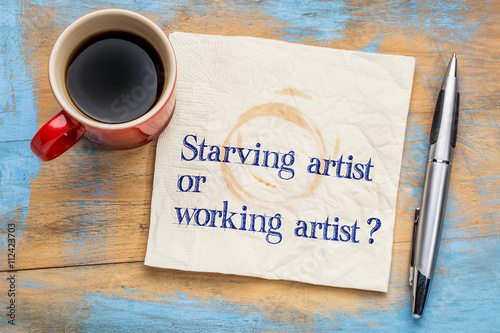 starving or working artist question Canvas-taulu