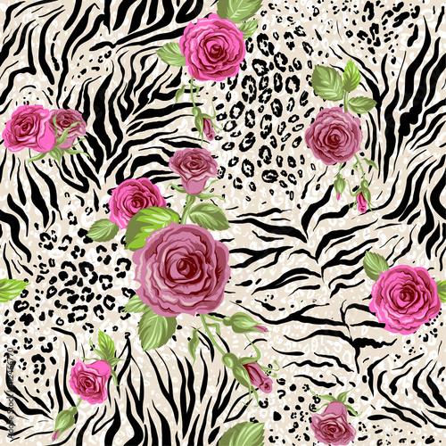 Fototapeta premium Róża na abstrakcyjnym wydruku zwierząt