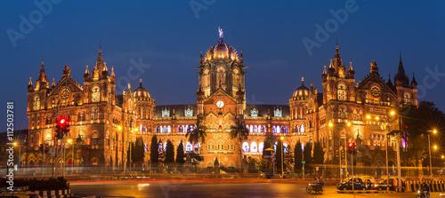 Photo Chatrapati Shivaji Terminus earlier known as Victoria Terminus in Mumbai, India