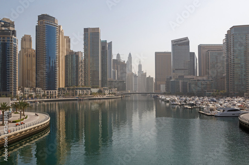 Photo  sight of district Marina in Dubai at morning