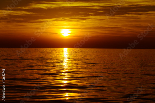 Fototapety, obrazy: orange scenic sunset and sea horizon