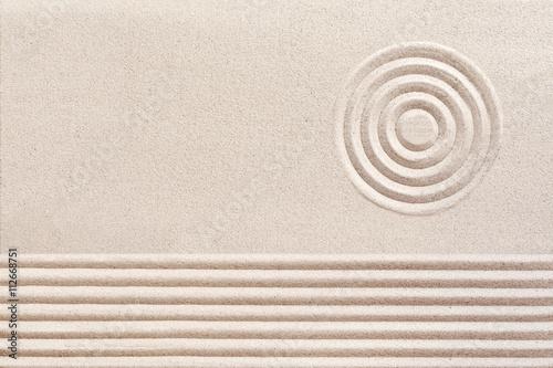 Foto op Plexiglas Stenen in het Zand Simple spiritual patterns in a Japanese Zen Garden