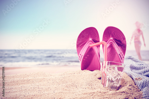 Fotografia  summer background for your drink on sand and free space