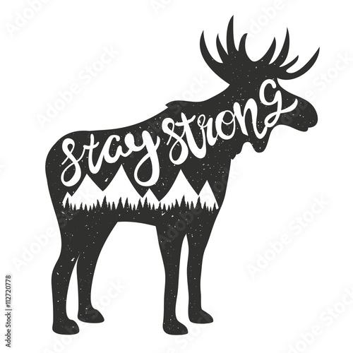 czarny-renifer-z-napisem-stay-strong-na-bialym-tle
