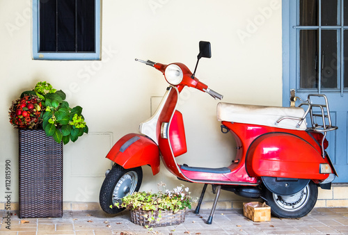 Foto op Canvas Scooter old vespa