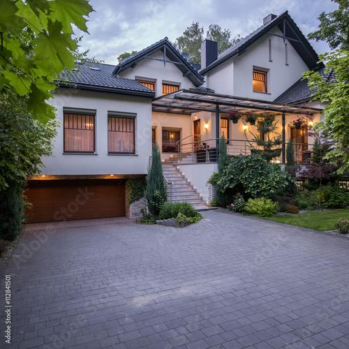 Fényképezés  Luxury modern detached house