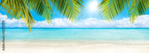 Foto-Leinwand - Sommer, Sonne, Strand und Meer als Hintergrund (von eyetronic)