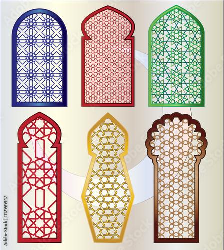 Photo Arabic oriental islamic style geometric pattern windows