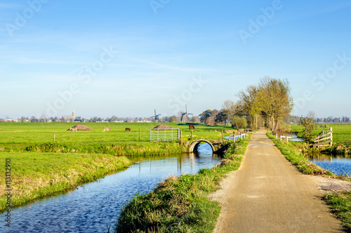 Slika na platnu Colorful Dutch polder landscape in autumn