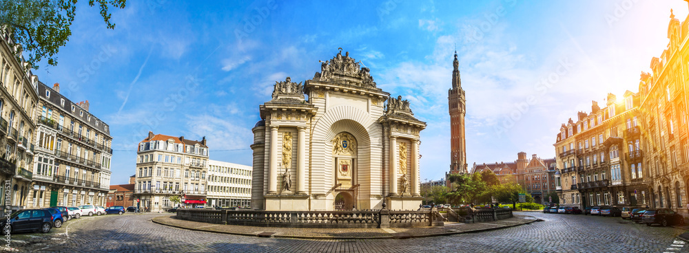Fototapety, obrazy: View of french city Lille with belfry, council hall and Paris' gate