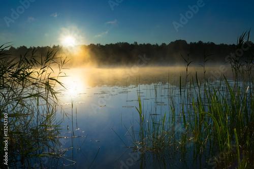 wschod-slonca-nad-winda-wielkiej-lake-mazury-polska