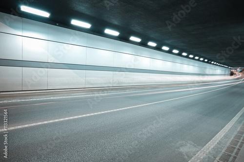 Fotomural  City road tunnel of night scene